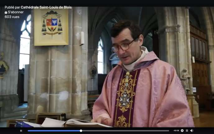 La visiomesse de l'abbé Neuville, retransmise sur Facebook Live, a été suivie par 550 fidèles.