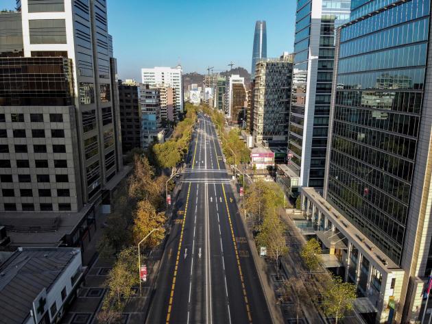 Une rue du centre de Santiago, au Chili, le 22 mars.