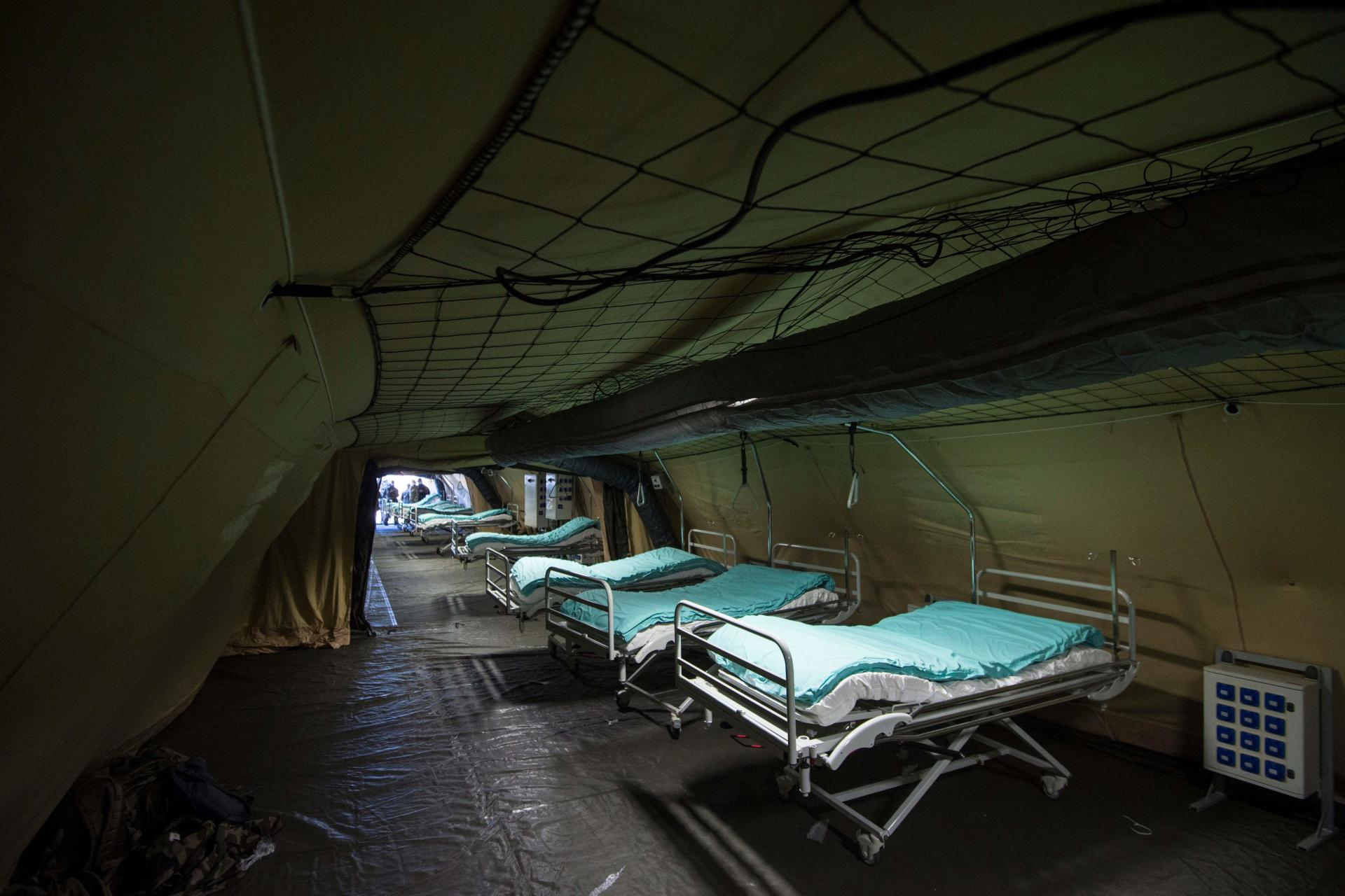 Les lits installés dans l'hôpital de campagne, le 22 mars.