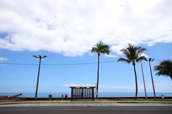 Un arrêt de bus, à Saint-Denis-de-la-Reunion, le 20 avril 2020.