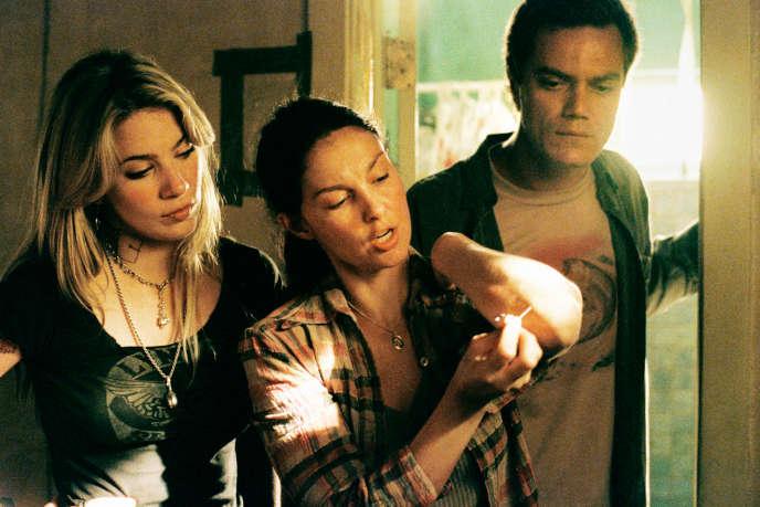 Dans «Bug», Michael Shannon (Peter, à droite) et Ashley Judd (Agnes, au centre) sont persuadés que des insectes créés par la CIA et le FBI les ont contaminés.