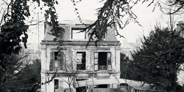 La maison de Louis-Ferdinand Céline qui a brûlé il y a huit mois, à Meudon, France le 21 février 1969.