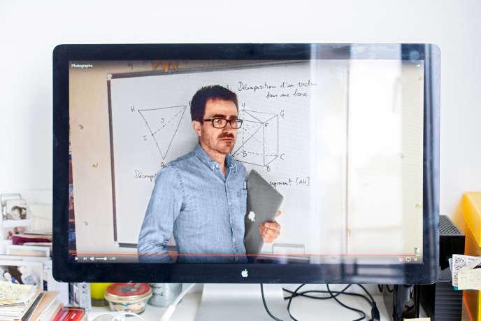 Yvan Monka, 49 ans, prof de maths dans le Bas-Rhin, a désormais 690 000 abonnés sur YouTube.