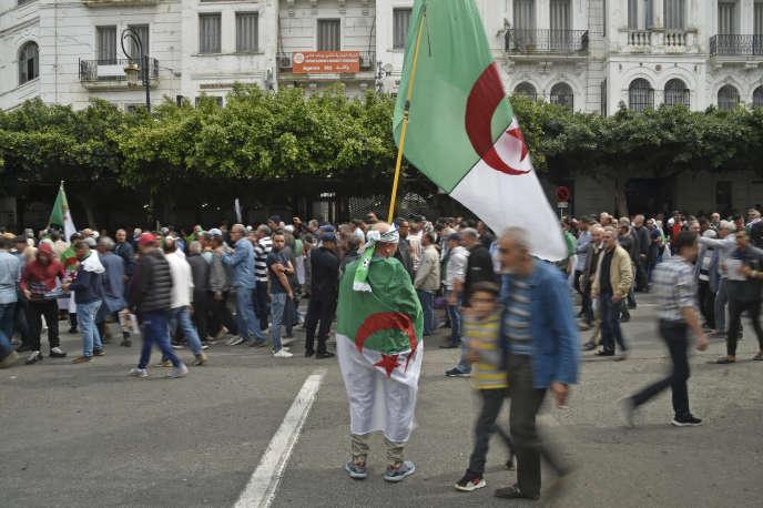 A Alger, le 13 mars, la contestion contre le régime se poursuit malgré le coronavirus.