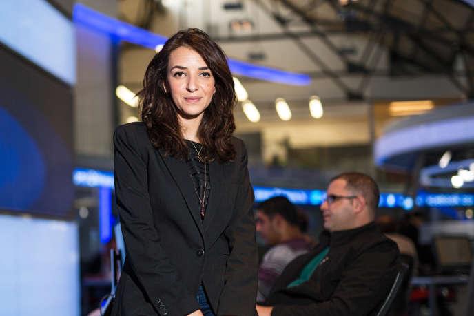 Lucy Aharish (ici, à Jaffa, en 2015) a notamment critiqué les mesures d'exception prises par Benyamin Nétanyahou, sans contrôle parlementaire, pour lutter contre l'épidémie de Covid-19.