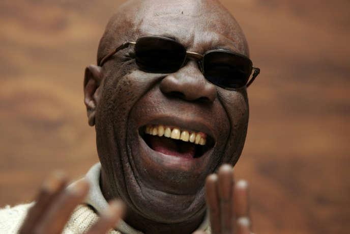 Le « grand rire» du compositeur et saxophoniste camerounais Manu Dibango, à Paris, en novembre 2005.