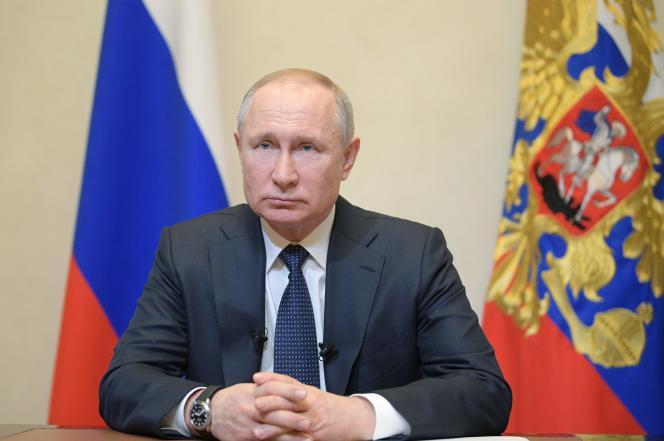 Le président russe, Vladimir Poutine, lors de son adresse à la nation, depuis sa résidence deNovo-Ogarevo, le 25 mars 2020.