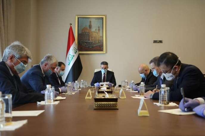 Réunion dans le bureau du premier ministre irakien, le 25 mars à Bagdad.
