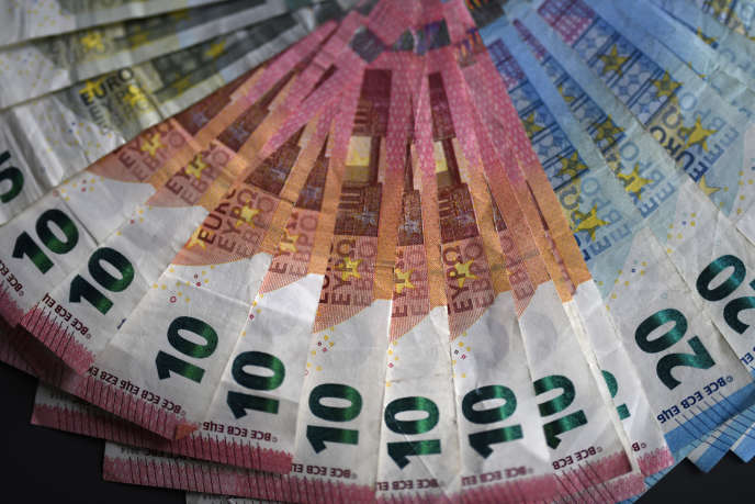Le principe de la «monnaie hélicoptère» a été théorisé par l'économiste américain Milton Friedman, en1969.
