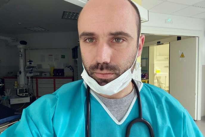 Laurent Carlini, médecin et urgentiste à Ajaccio (Corse-du-Sud).