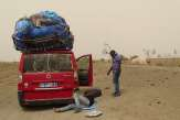 Des transporteurs sénégalais bloqués en plein désert pour cause de Coronavirus