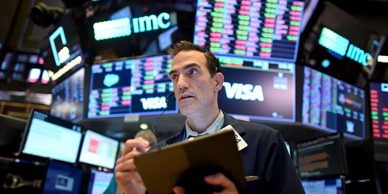 Prises de bénéfices sur les marchés, avant un week-end à risque