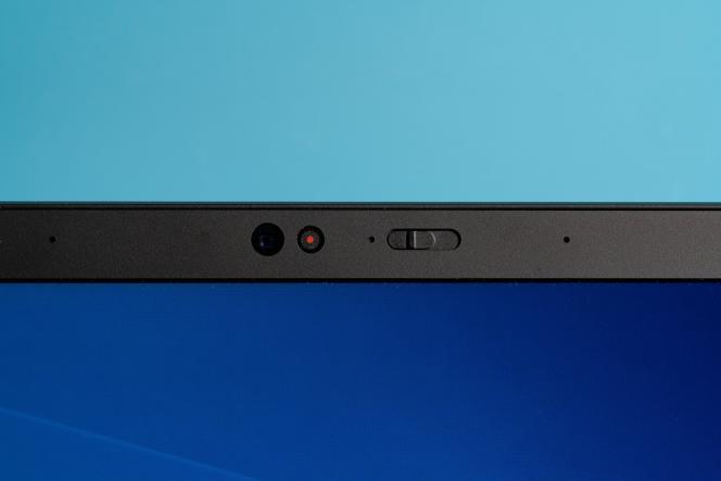 Le P1 Gen 2 a le même cache de sécurité intégré sur sa webcam que les autres ThinkPad.