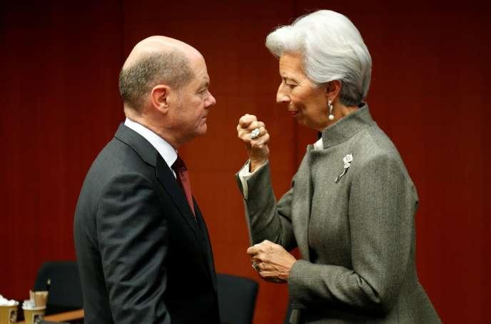 Le ministre des finances allemand, Olaf Scholz, et la présidente de la BCE, Christine Lagarde, à Bruxelles, le 17 février 2020.