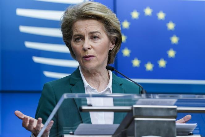 La présidente de la Commission européenne, Ursula von der Leyen, à Bruxelles, le 16 mars 2020, après la visioconférence des pays du G7.