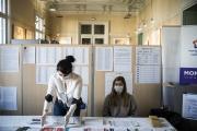 Bureau de vote à Montpellier (Hérault), lors du premier tour des élections municipales, le 15 mars 2020.