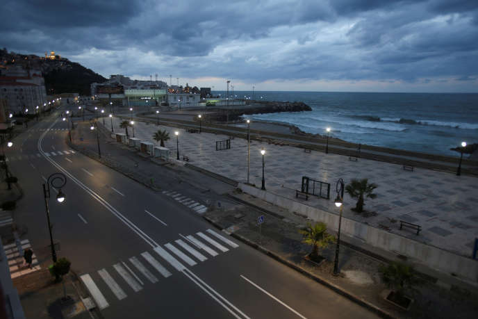 Le front de mer à Alger, le 25 mars 2020.