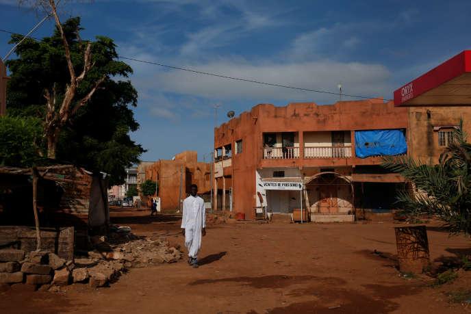 Une rue quasi déserte de Bamako, en mars 2020.