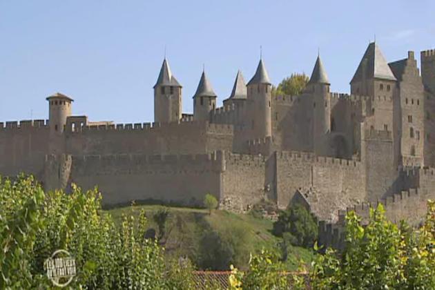 «100 Lieux qu'il faut voir» dans l'Aude, de Carcassonne au pays Cathare.