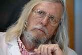 Comment le professeur Didier Raoult est devenu une figure centrale des théories complotistes