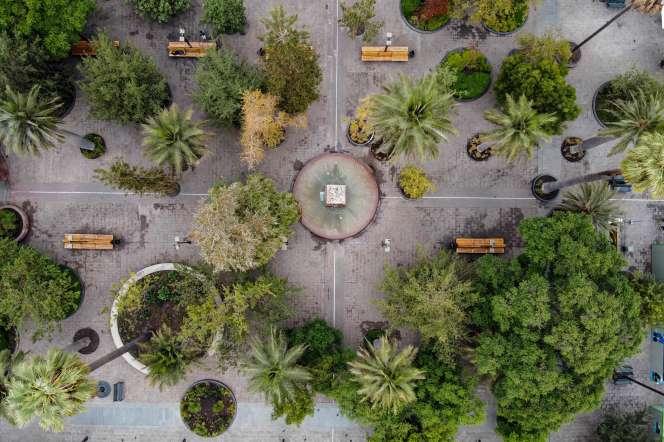 La Plaza de Armas, à Santiago, le 27 mars.