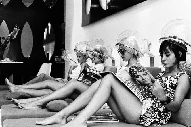 En 1969, Jacques Dessange ouvre son premier salon à Saint-Tropez.