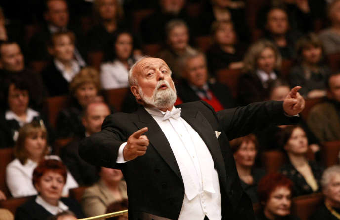 Le compositeur polonais Krzysztof Penderecki lors d'un concert à la Philharmonie de Lublin, en Pologne, le 2 avril 2009.