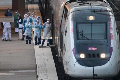 Un TGV médicalisé en gare de Mulhouse, le 29 mars.