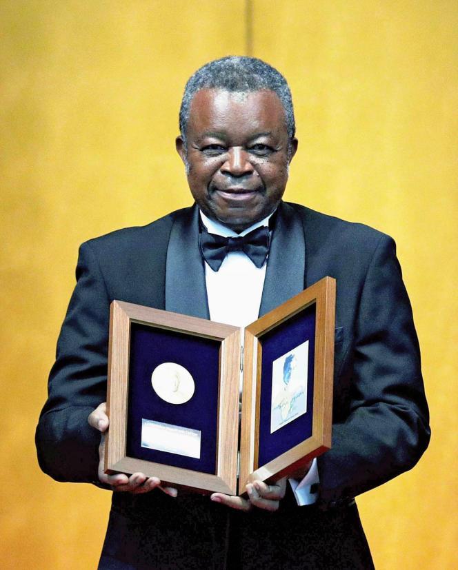 La carrière de Jean-Jacques Muyembe a été couronnée de nombreux prix, comme le prestigieux Hideyo Noguchi Africa Prize, qui lui a été remis à Tokyo, le 30 août 2019.
