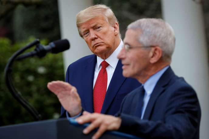 Le président Donald Trump (à gauche) et le docteur Anthony Fauci, lors du point presse quotidien sur le Covid-19 à la Maison Blanche, le 29 mars.