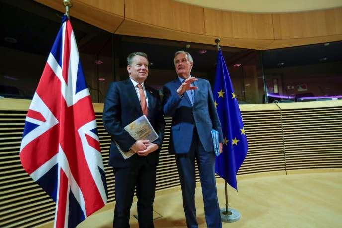 Le négociateur de l'UE pour le Brexit Michel Barnier et le conseiller de Boris Johnson pour l'Europe David Frost, le 2 mars à Bruxelles.