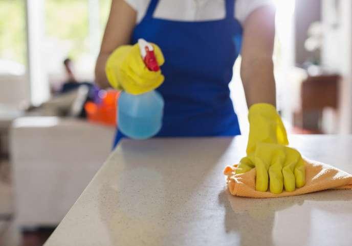 Les particuliers employant une femme ou un homme de ménage qui n'a pas effectué en mars toutes les heures prévuespeuvent demander une indemnisation via le site du Cesu.
