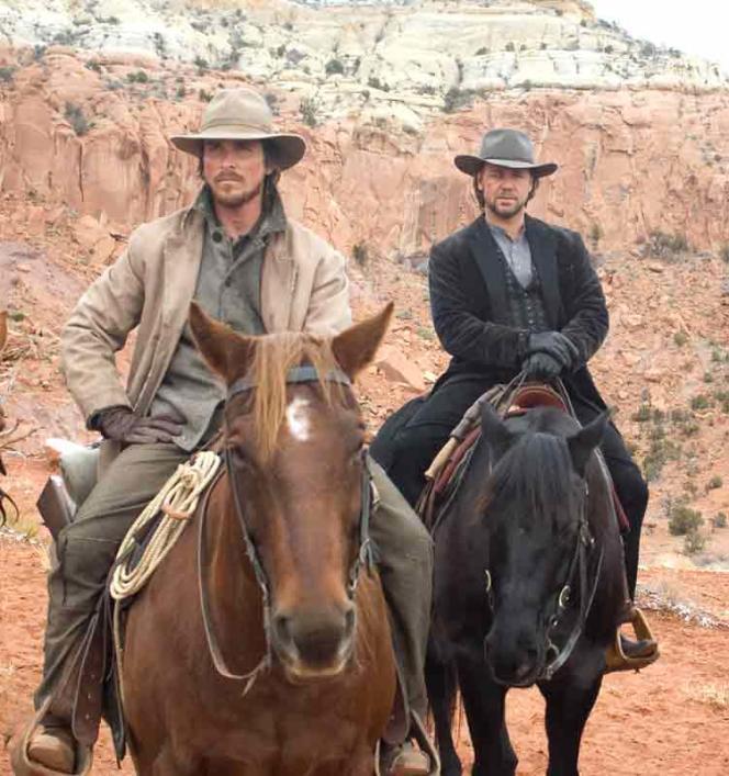 Christian Bale et Russell Crowe interprètent respectivement un honnête père de famille et un hors-la-loi dans«3 h 10 pour Yuma» (2007), de James Mangold.