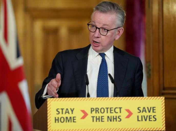 Michael Gove, numéro deux du gouvernement britannique, lors d'une conférence de presse sur le coronavirus, le 31 mars, à Londres.