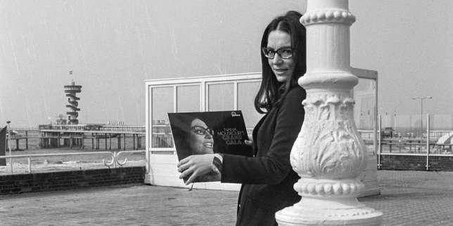 Nana Mouskouri, pour le meilleur et pour Le Pirée