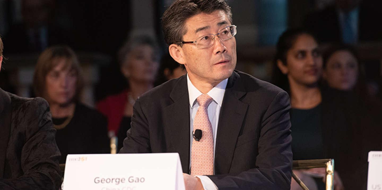 Ne pas porter de masque pour se protéger du coronavirus est une « grande erreur », affirme un haut scientifique chinois