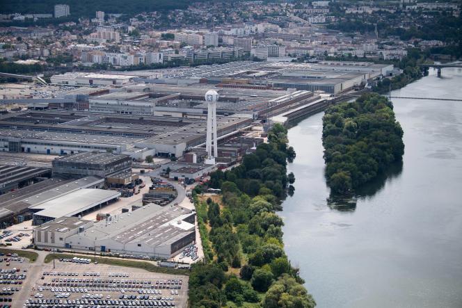L'usine Peugeot de Poissy(Yvelines) en aout 2019. Le groupe PSA y mobilisera 50salariés volontaires pour fabriquer les blocs mécaniques des respirateurs.