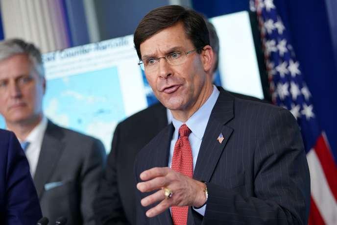 Le ministre de la défense, Mark Esper, lors du briefing quotidien sur le coronavirus à la Maison Blanche, le 1er avril.
