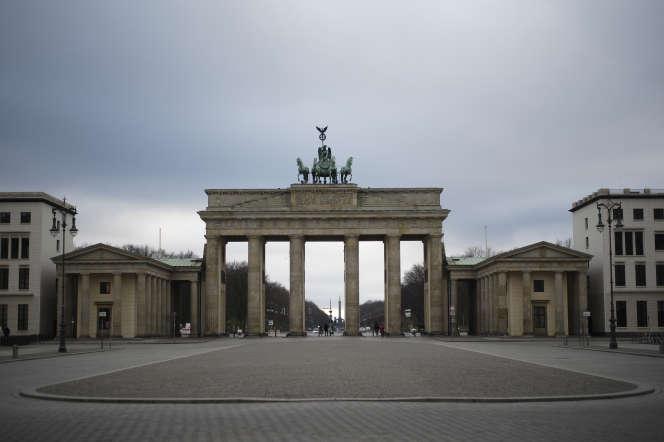 Vue de la porte de Brandebourg à Berlin, le 30 mars.