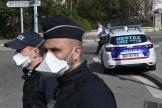 Des policiers à Marseille, le 1er avril.