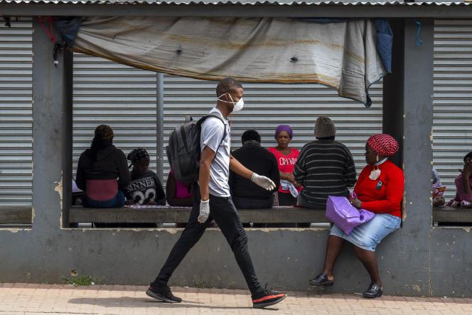 Dans le township Alexandra, à Johannesburg, mégapole sud-africaine confinée, le 1er avril 2020.