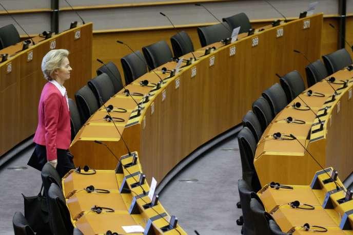 La présidente de la Commission européenne, Ursula von der Leyen, le 26 mars, àBruxelles.