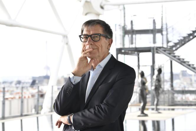 Serge Lasvignes, directeur du Centre Pompidou, sur la terrasse de Beaubourg, à Paris, en 2019.