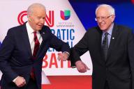 Joe Biden et Bernie Sanders, lors du dernier débat démocrate, à Washington, le 15 mars.