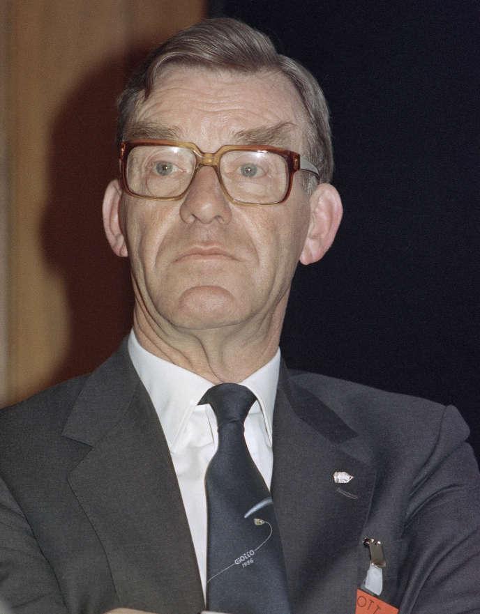 Reimar Lüst,à l'ESA à Darmstadt, Germany, le 13 mars 1986.