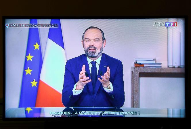 Le premier ministre, Edouard Philippe, en vidéoconférence depuis Matignon, le 2 avril.