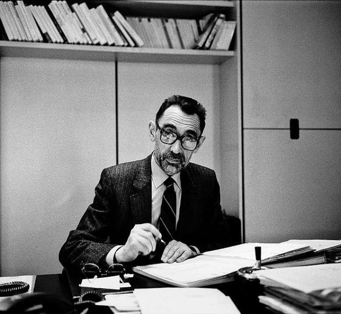 Michel Chodkiewicz, dans les locaux des éditions du Seuil, en 1987.