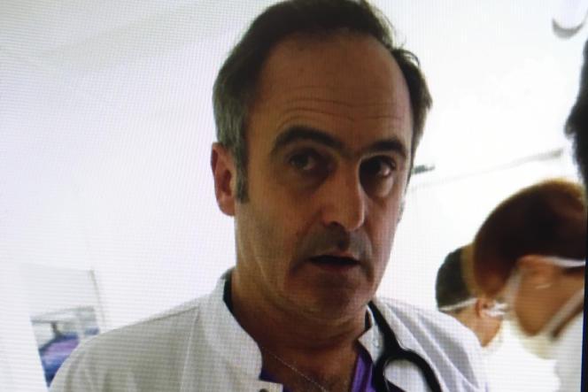 Vincent Carret, médecin urgentiste au centre hospitalier intercommunal de Toulon-La Seyne-sur-Mer (Var).