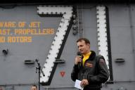 Le capitaine Brett Crozier, commandant duporte-avions nucléaire «Theodore Roosevelt», le 19 décembre 2019 dans l'océan Pacifique.