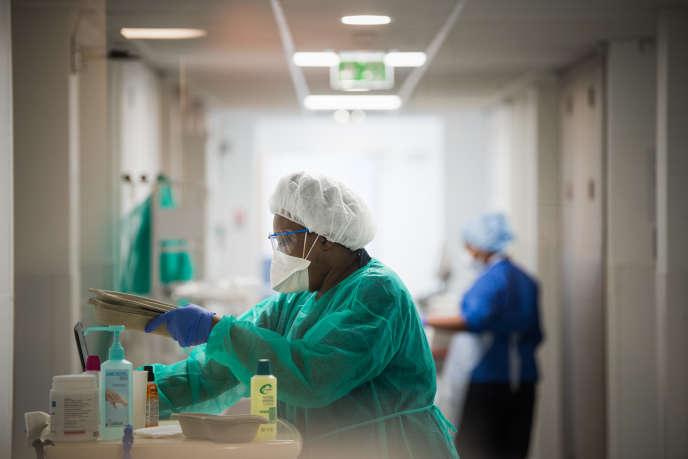 A l'hôpital Delafontaine de Saint-Denis, le 3 avril.